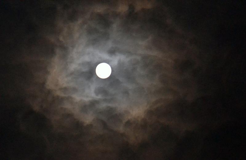 Full-Moon2-Before-Storm