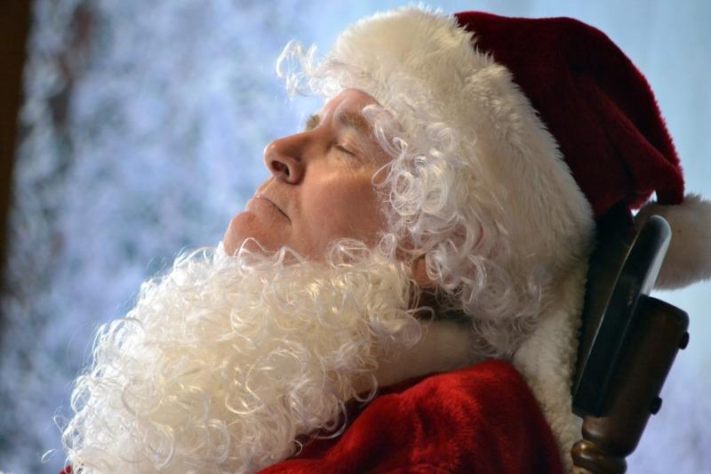Sleeping-Santa_12